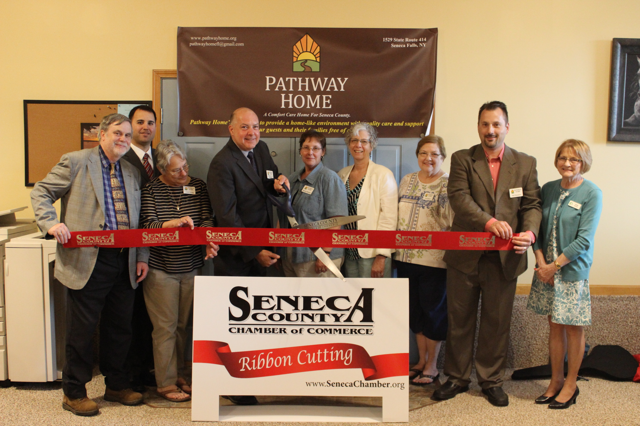 Pathway Home hosts ribbon cutting (photo)